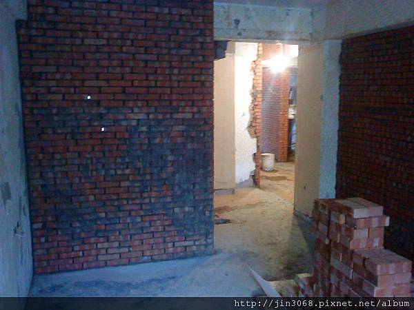 A018主臥網浴室方向拍攝砌磚中.JPG