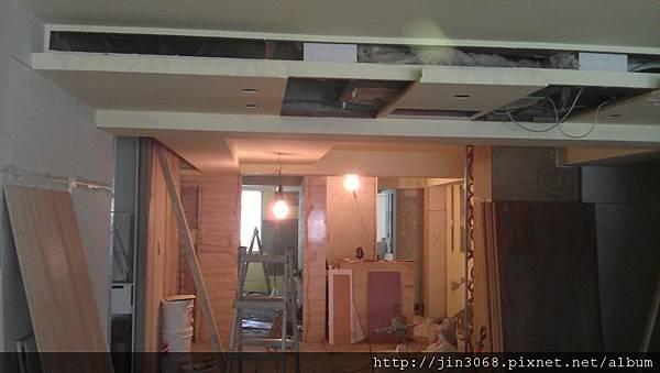 A034天花板冷砌出風口木作中.jpg
