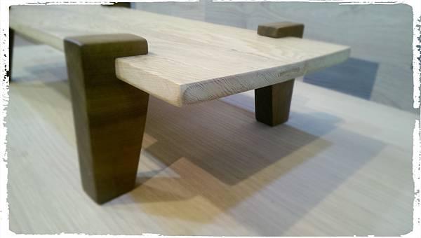 Cypress platform shelf008.jpg