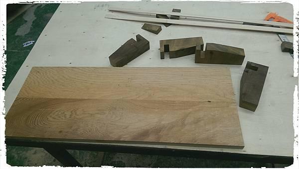 Cypress platform shelf005.jpg