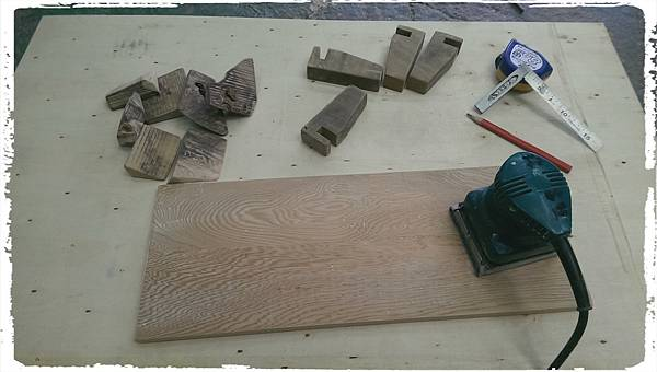 Cypress platform shelf006.jpg