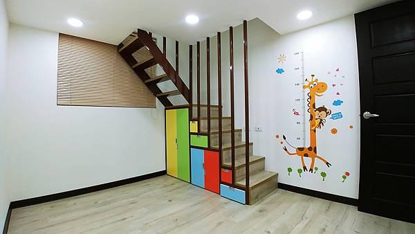 夾層#挑高#挑高夾層#夾層施工#夾層屋#C型鋼#夾層裝潢#夾層設計#夾層樓梯20160205015