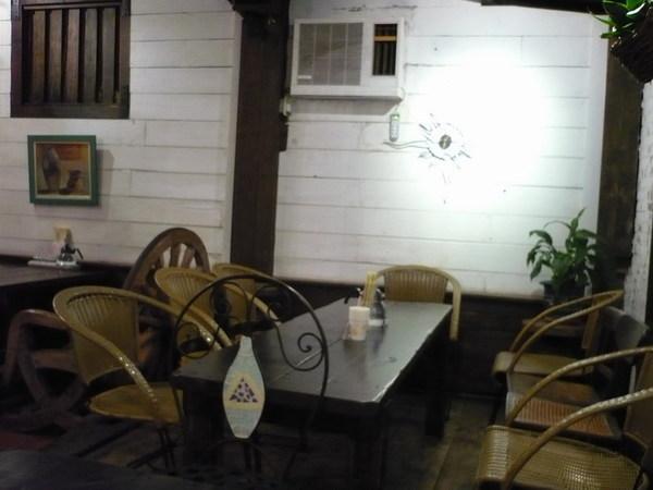 空蕩蕩的餐廳