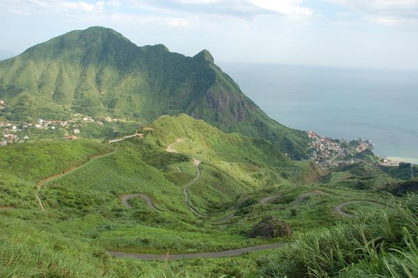 上茶壺山的蜿蜒道路