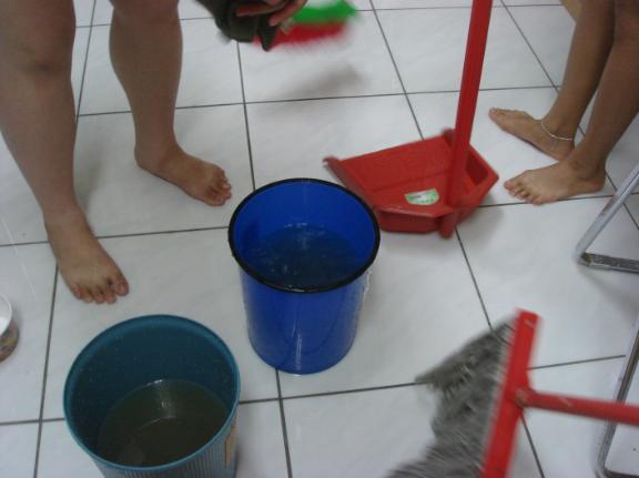 宿舍淹水01
