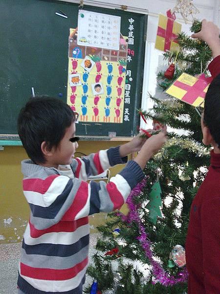 佈置耶誕樹3