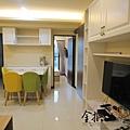 LIVING ROOM_005.jpg