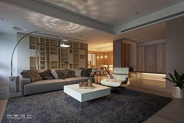 溫潤的木質地板,將馨暖氣息帶至每一個角落。.jpg