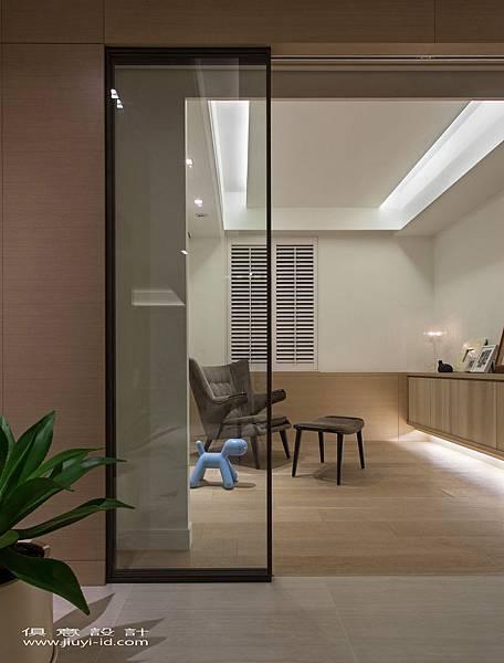 目前作為書房的通透空間,未來可因應需要,變通為客房或嬰兒房使用。.jpg