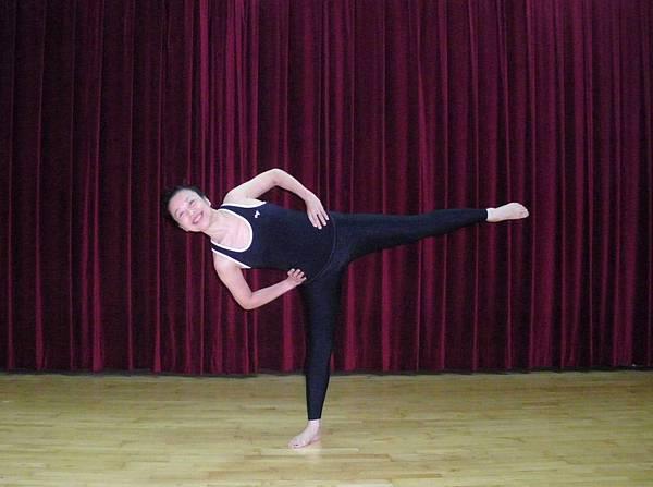 單腳側彎平衡