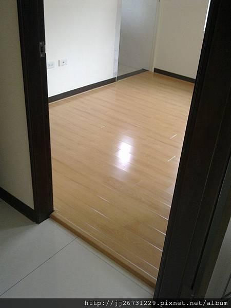 20111218507鋼烤-日本櫸木.jpg