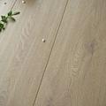 長板水波紋系列-奶油橡木01-超耐磨木地板/強化木地板