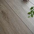 長板水波紋系列-現代橡木01-超耐磨木地板/強化木地板