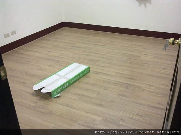 20111215500晶鑽-里斯本橡木.jpg