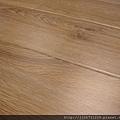 晶鑽系列-里斯本橡木-黃光下3-超耐磨木地板/強化木地板