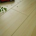 第一代拍立扣-璀璨楓木5-超耐磨木地板 強化木地板