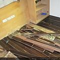 P1100422拆除老舊海島木地板.JPG