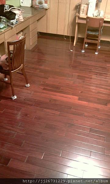 施工前-實木地板.jpg