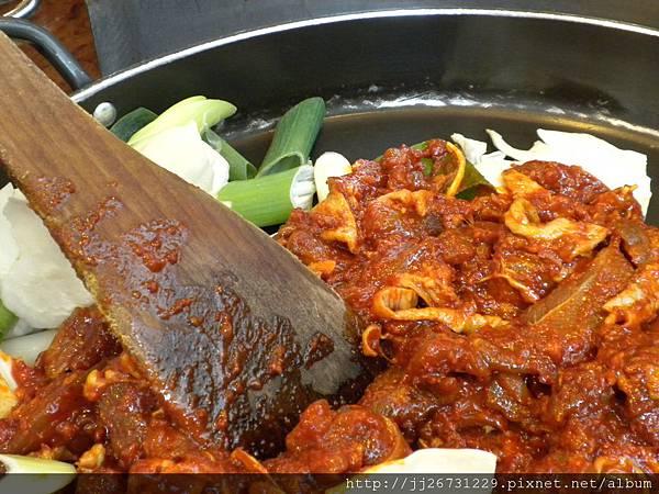 0429辣到肚子痛也是要硬吃午餐-辣炒春雞09