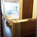 簡約無縫木地板-浪漫胡桃-12040704-中和秀朗路 超耐磨木地板強化木地板