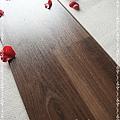 無縫抗潮 賓賓系列-巧克力木01-超耐磨木地板.強化木地板.JPG