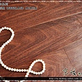 實木觸感 絲織真木紋系列-昆士蘭刺槐02-超耐磨木地板.強化木地板.JPG