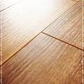 實木觸感 絲織真木紋系列-盧卡胡桃木05-超耐磨木地板.強化木地板.JPG