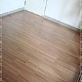 無縫抗潮-賓賓系列-12071405-向外1-經典柚木-三峽老街-超耐磨木地板 強化木地板.JPG