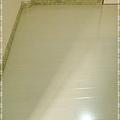 鋼琴面拍立扣-瑞士白橡-12071321圓柱-桃園市秀山路 超耐磨木地板強化木地板.jpg