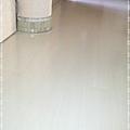 鋼琴面拍立扣-瑞士白橡-12071322圓柱-桃園市秀山路 超耐磨木地板強化木地板.jpg