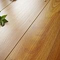 超耐磨強化木地板-長板中浮雕12mm-多倫多橡木05.jpg
