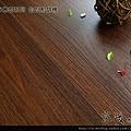 超耐磨強化木地板-長板中浮雕12mm-哈瓦那胡桃04.jpg