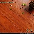 超耐磨強化木地板-長板中浮雕12mm-美洲紅檀05.jpg