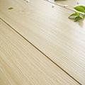 超耐磨強化木地板-長板中浮雕12mm-歐洲橡木07.jpg