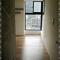 無縫抗潮-賓賓系列-阿爾卑斯橡木120808-06窗二01-宜蘭礁溪-超耐磨木地板 強化木地板.jpg
