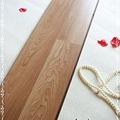 無縫抗潮 賓賓系列-塔斯卡尼楓木01-超耐磨木地板.強化木地板.JPG