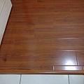 鋼琴面拍立扣-紅檀香(寬板)-12080601-桃園楊梅 超耐磨木地板 強化木地板.jpg