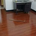 鋼琴面拍立扣-紅檀香(寬板)-12080607-桃園楊梅 超耐磨木地板 強化木地板.jpg