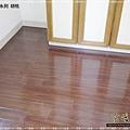 鋼琴面拍立扣-胡桃-12041303-超耐磨木地板 強化木地板.jpg