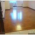 鋼琴面拍立扣-柚木-12042601- 新店-超耐磨木地板強化木地板.JPG