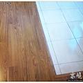 鋼琴面拍立扣-柚木-12042609- 新店-超耐磨木地板強化木地板.JPG