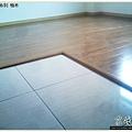 鋼琴面拍立扣-柚木-12042701-桃園-超耐磨木地板強化木地板.JPG
