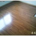 鋼琴面拍立扣-柚木-12042702-桃園-超耐磨木地板強化木地板.JPG