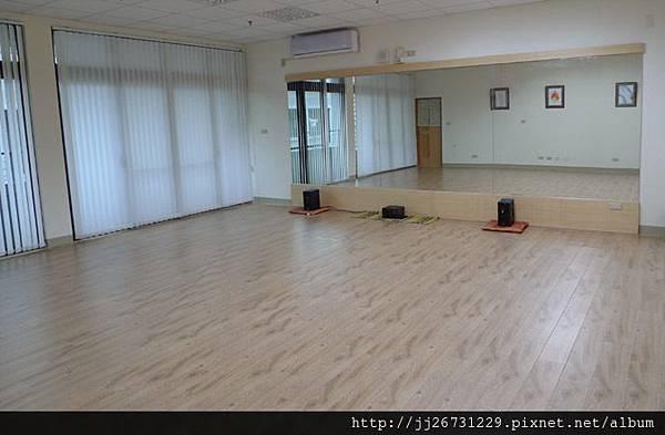 晶鑽-里斯本橡木-120916-04面牆6-新竹竹北 超耐磨木地板強化木地板.jpg