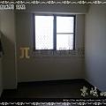 新拍立扣-胡桃-12072712-桃園八德義勇街 超耐磨木地板 強化木地板.jpg