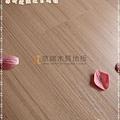 無縫抗潮 浮雕系列-經典淺柚木2-超耐磨強化木地板.JPG