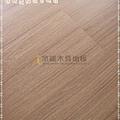 無縫抗潮 浮雕系列-經典淺柚木3-超耐磨強化木地板.JPG