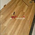 無縫抗潮 賓賓系列 阿爾卑斯橡木-05241313走道-樹林 超耐磨木地板.強化木地板.jpg
