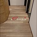 無縫抗潮 賓賓系列 阿爾卑斯橡木-05241315走道-樹林 超耐磨木地板.強化木地板.jpg