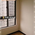 無縫抗潮系列-淺胡桃木-09211309-蘆竹  超耐磨木地板.強化木地板.jpg